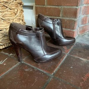 Anne Klein Vero Cuoio leather booties